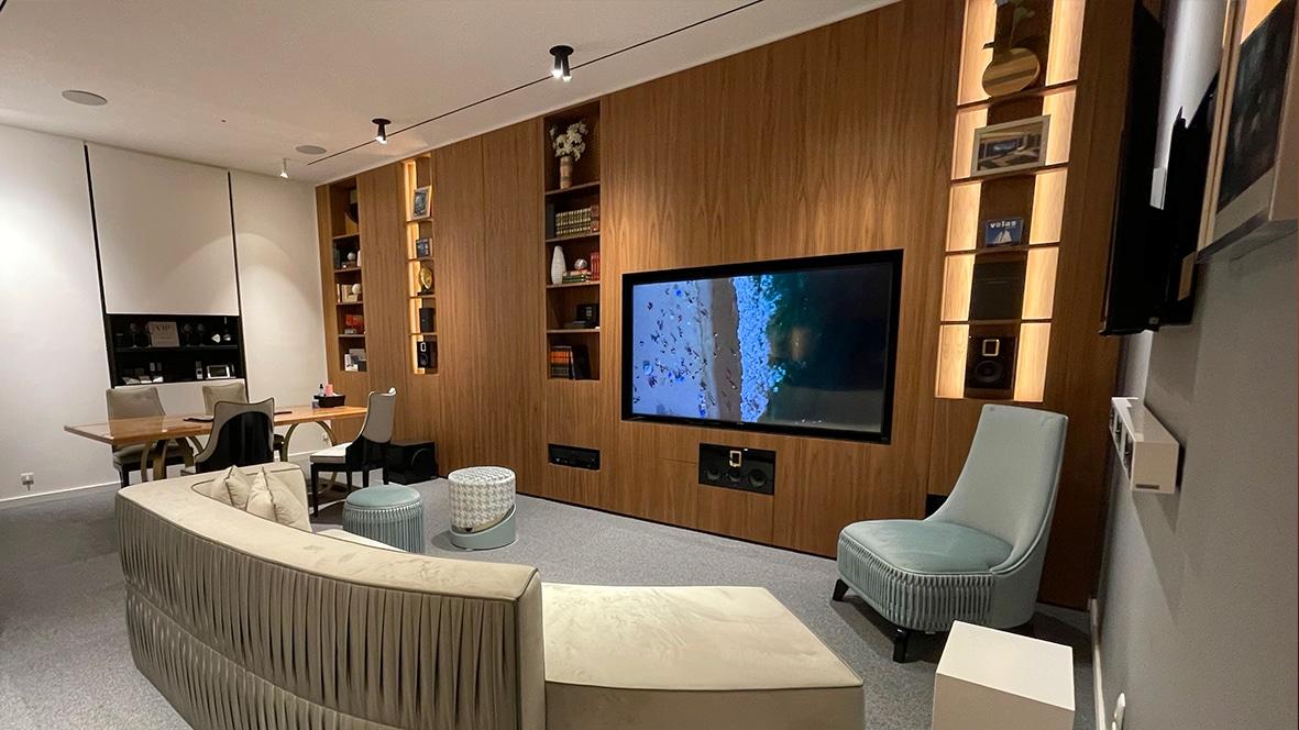Genesis showroom in Lisbon3